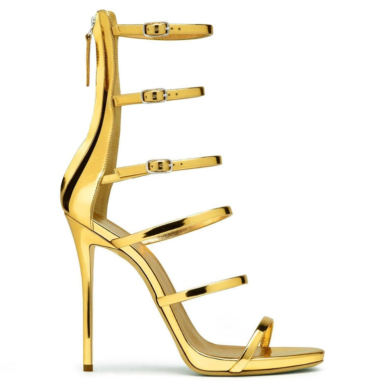 Giuseppe Zanotti NEW Gold Patent Evening Low Gladiator Sandals Heels in Box In New Never_worn Condition For Sale In Chicago, IL