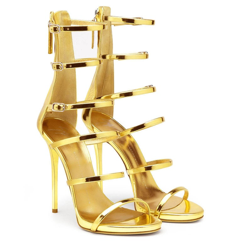 Women's Giuseppe Zanotti NEW Gold Patent Evening Low Gladiator Sandals Heels in Box For Sale