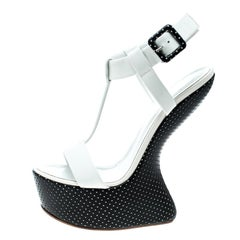 Giuseppe Zanotti White Patent Leather Heel Less T-Strap Wedge Sandals Size 37.5
