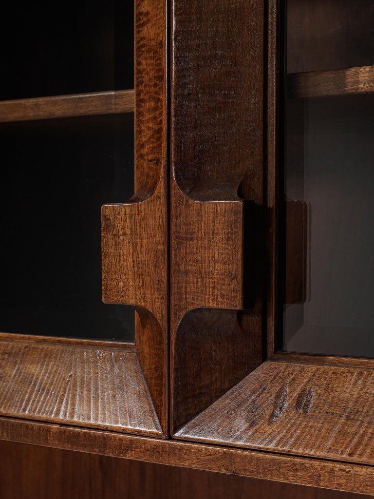 Giusseppe Rivadossi Wall Unit in Carved Oak In Good Condition For Sale In Waalwijk, NL