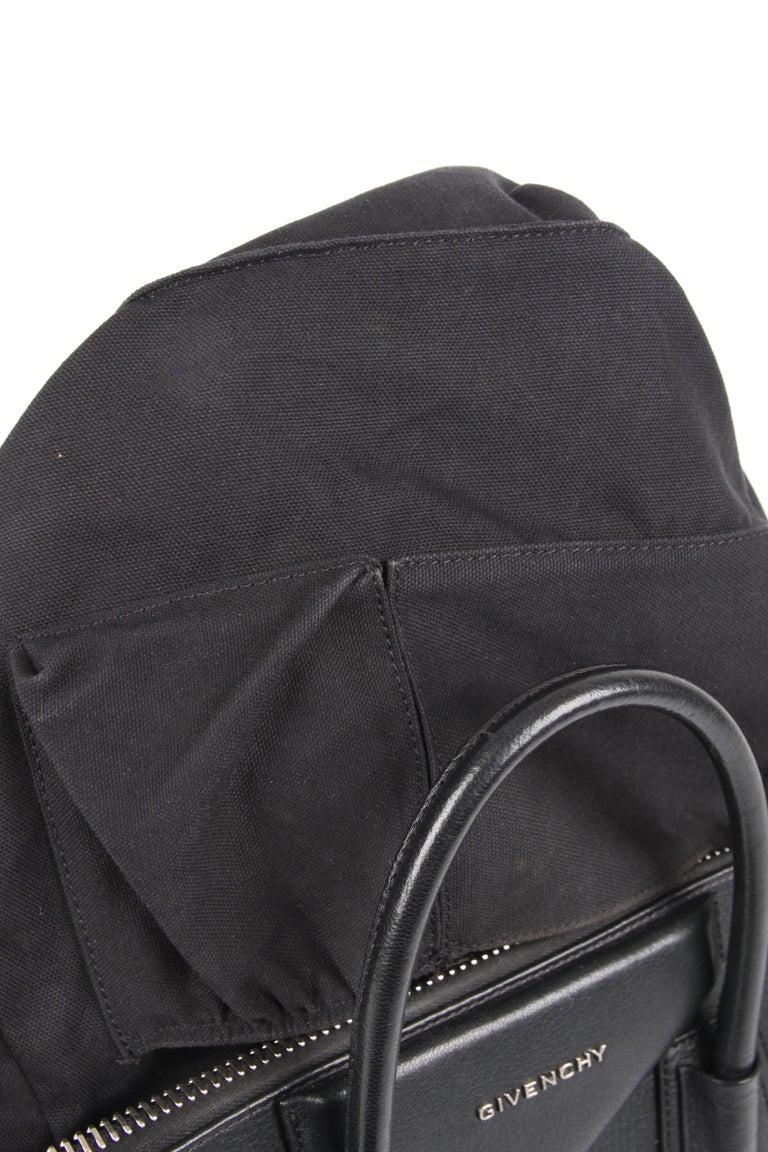 Givenchy Antigona Structured Bag Medium - black    5
