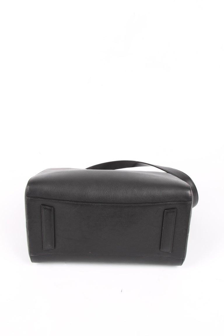 Women's   Givenchy Antigona Structured Bag Medium - black