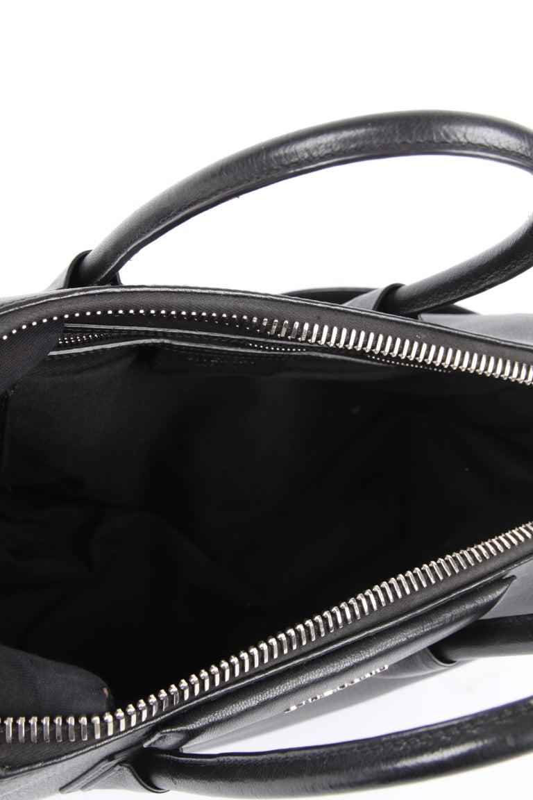 Givenchy Antigona Structured Bag Medium - black    4