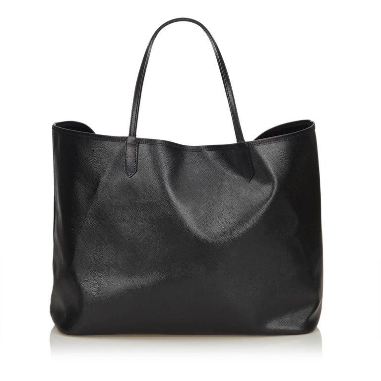 6253ddbefe62 Givenchy Black Madonna Antigona In Good Condition For Sale In Orlando