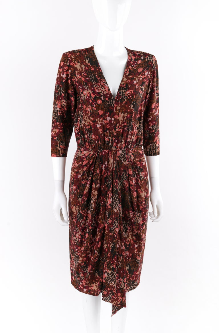 GIVENCHY c.1970's Haute Couture Silk Floral Print Sheath Dress Numbered In Good Condition For Sale In Thiensville, WI