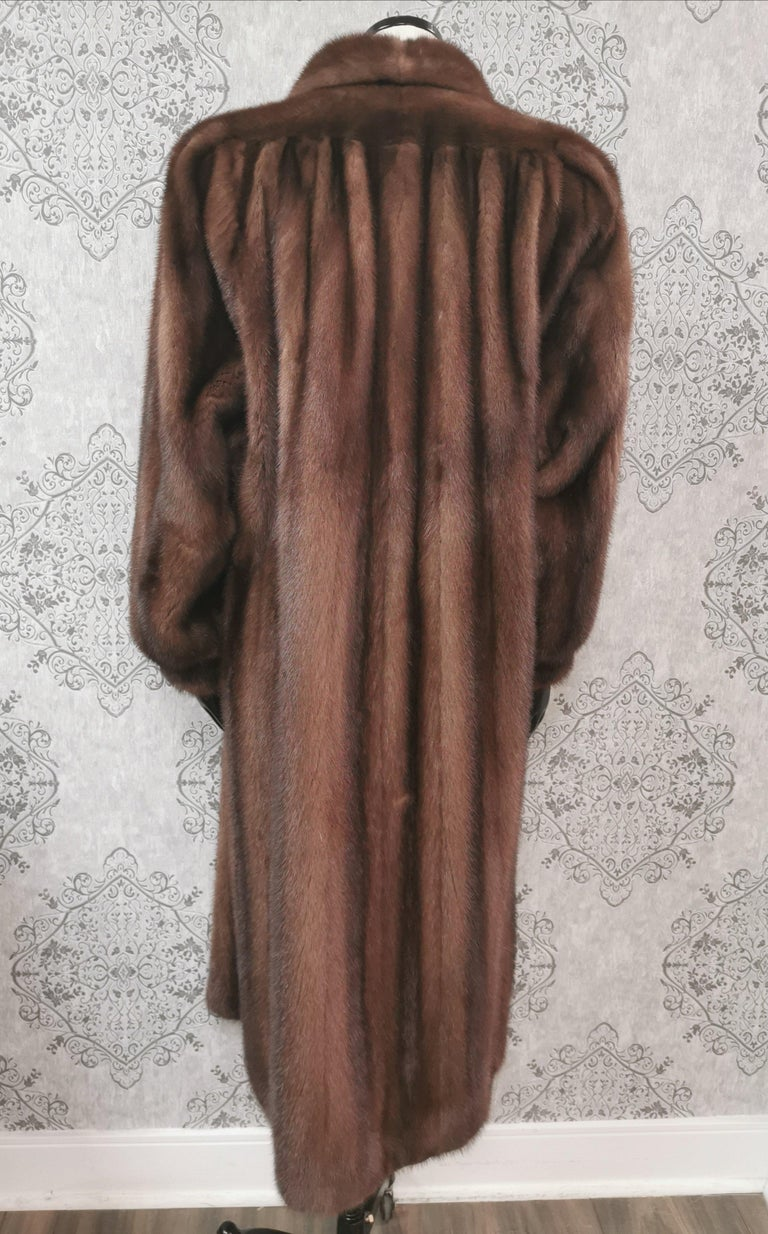 Givenchy Haute Fourrures Demi Buff Mink Fur Coat (Size 12 - M) In Excellent Condition For Sale In Montreal, Quebec