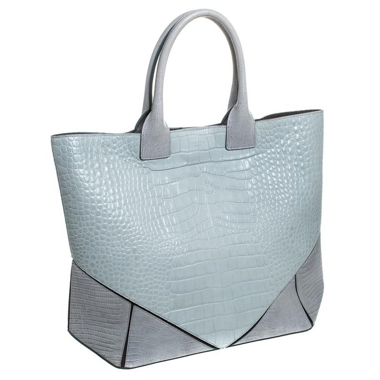 Givenchy Grey Croc Embossed Leather Easy Tote In Good Condition In Dubai, Al Qouz 2