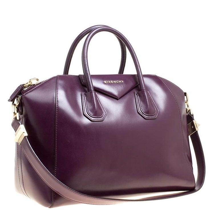 Givenchy Purple Leather Medium Antigona Top Handle Bag In Good Condition  For Sale In Dubai 1118740113ce0
