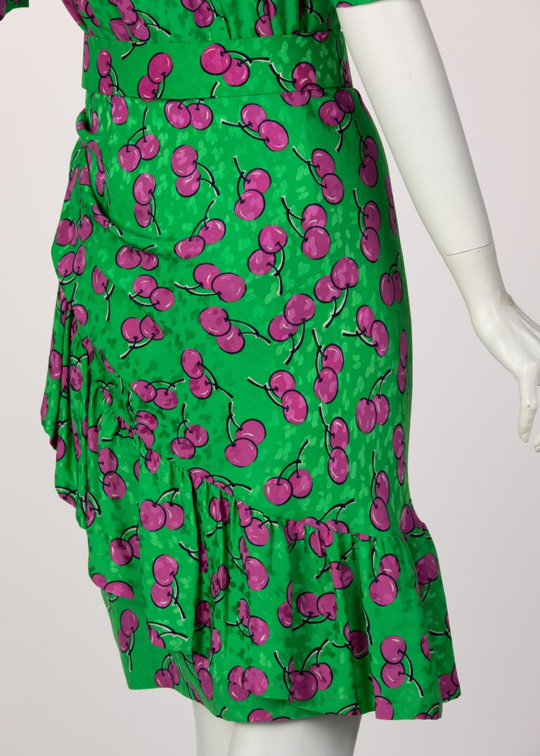 Givenchy Silk Green Cherry Print Cocktail Dress, 1980s For Sale 7