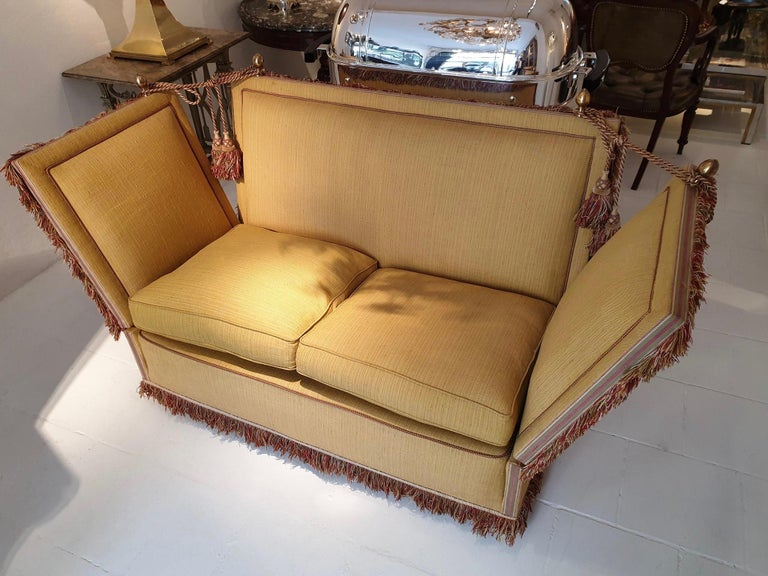 Glamorous Classic Hollywood Regency Knole Sofa In Good Condition For Sale In Antwerp, BE