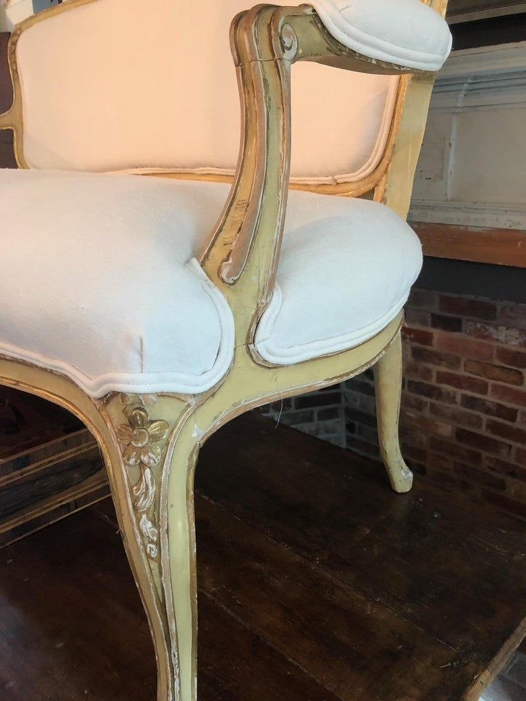 Glamorous Giltwood Fancy French Sofa with New White Linen Upholstery In Excellent Condition For Sale In Hopewell, NJ