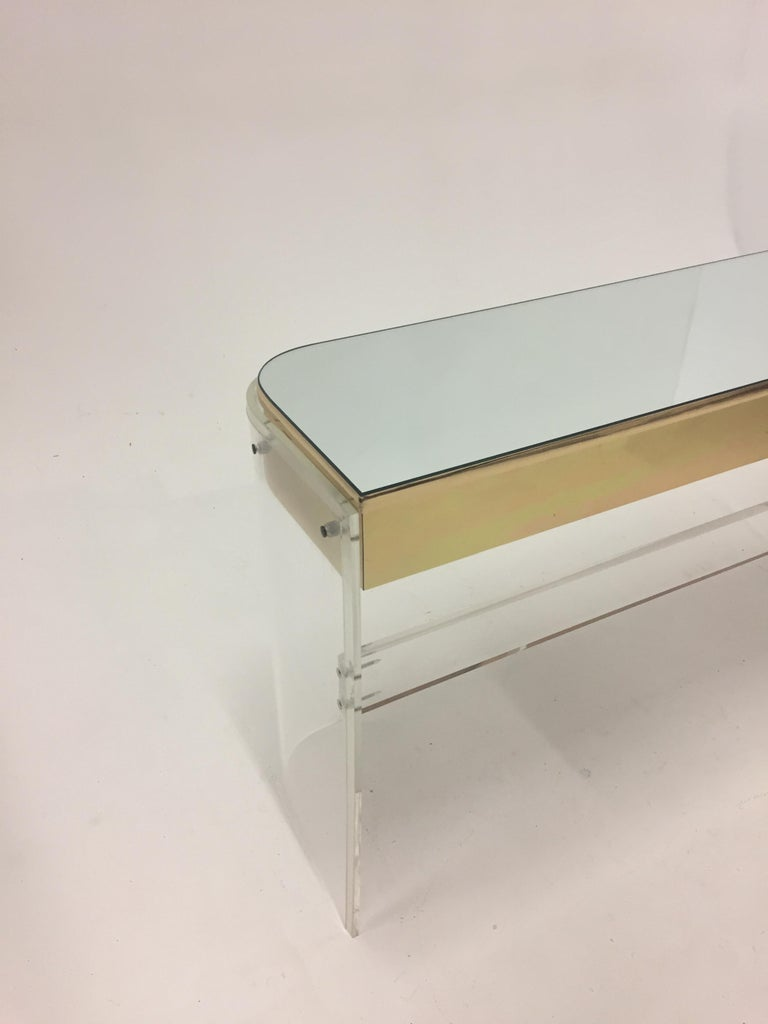 Glamorous Mid-Century Modern Curved Lucite and Metal Vanity Console For Sale 8