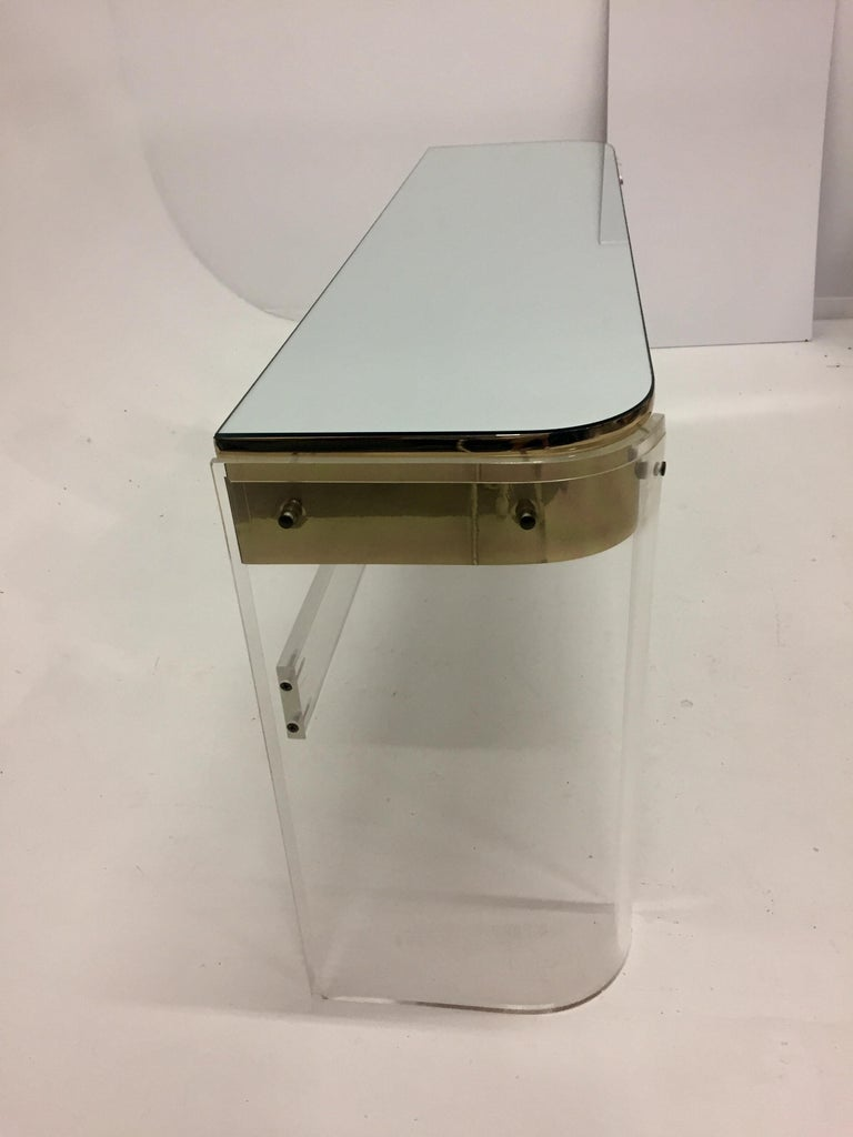 Glamorous Mid-Century Modern Curved Lucite and Metal Vanity Console For Sale 2