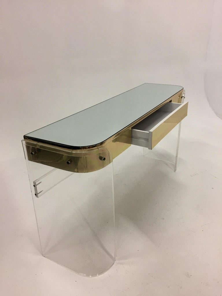 Glamorous Mid-Century Modern Curved Lucite and Metal Vanity Console For Sale 3