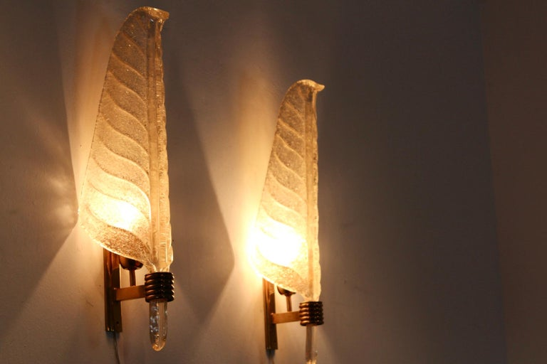 Glamorous Pair of Xl Murano 24kt Gold Flaked Glass Leaf Sconces, Barovier & Toso For Sale 3