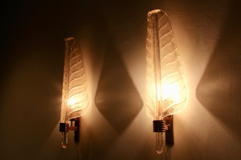 Glamorous Pair of Xl Murano 24kt Gold Flaked Glass Leaf Sconces, Barovier & Toso For Sale 5