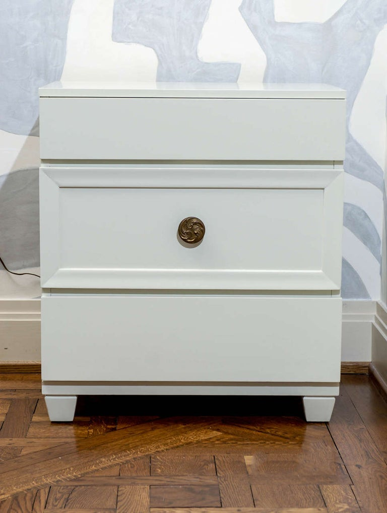 Glamorous Restored Pair of Grosfeld House Style Commodes, circa 1940 For Sale 3