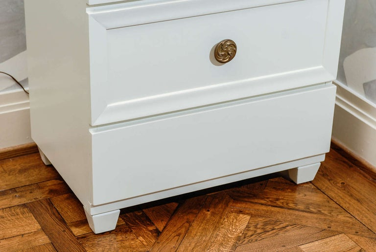 American Glamorous Restored Pair of Grosfeld House Style Commodes, circa 1940 For Sale