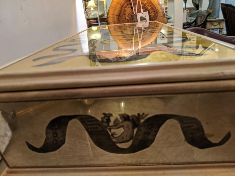 Glamorous Vintage Églomisé Mirrored Jewelry Box In Excellent Condition For Sale In Hopewell, NJ
