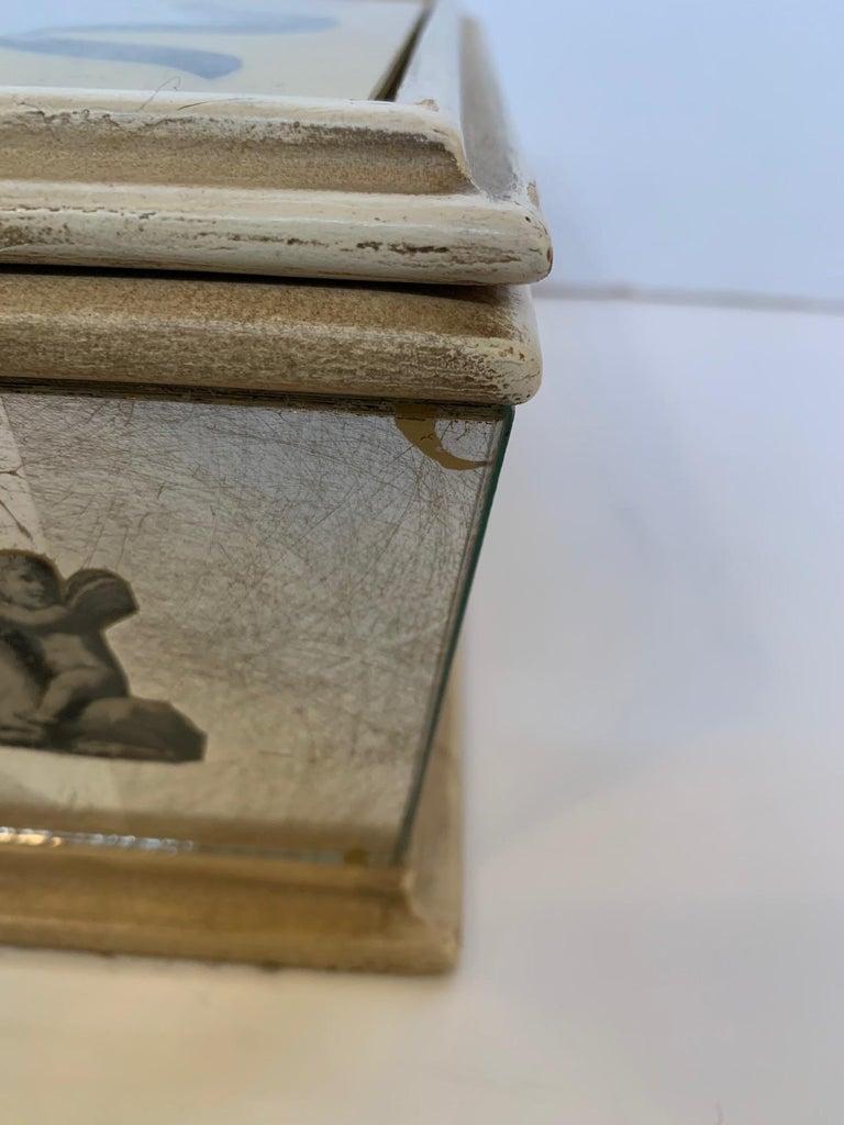 Glamorous Vintage Églomisé Mirrored Jewelry Box For Sale 3