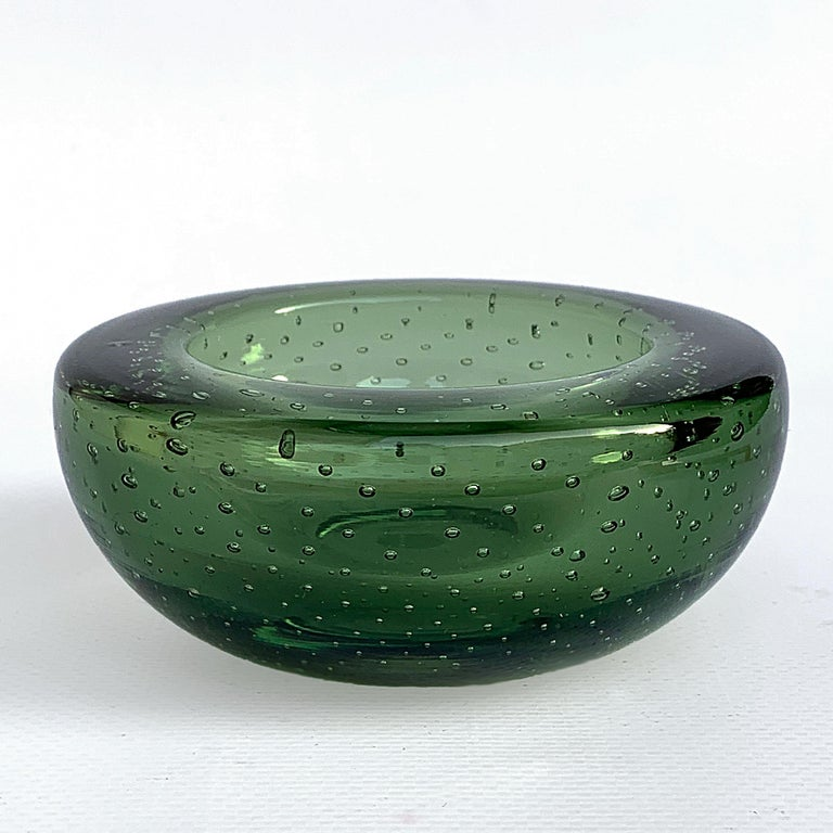 Attributed to Galliano Ferro, ashtray or glass bowl, green, controlled bubbles Murano. Air bubbles. No chipping.
