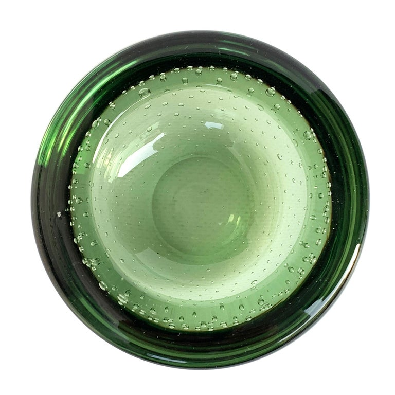 Italian Glass Bowl or Ashtray, Glass Sommerso Bullicante, Air Bubbles Murano Italy, 1960 For Sale