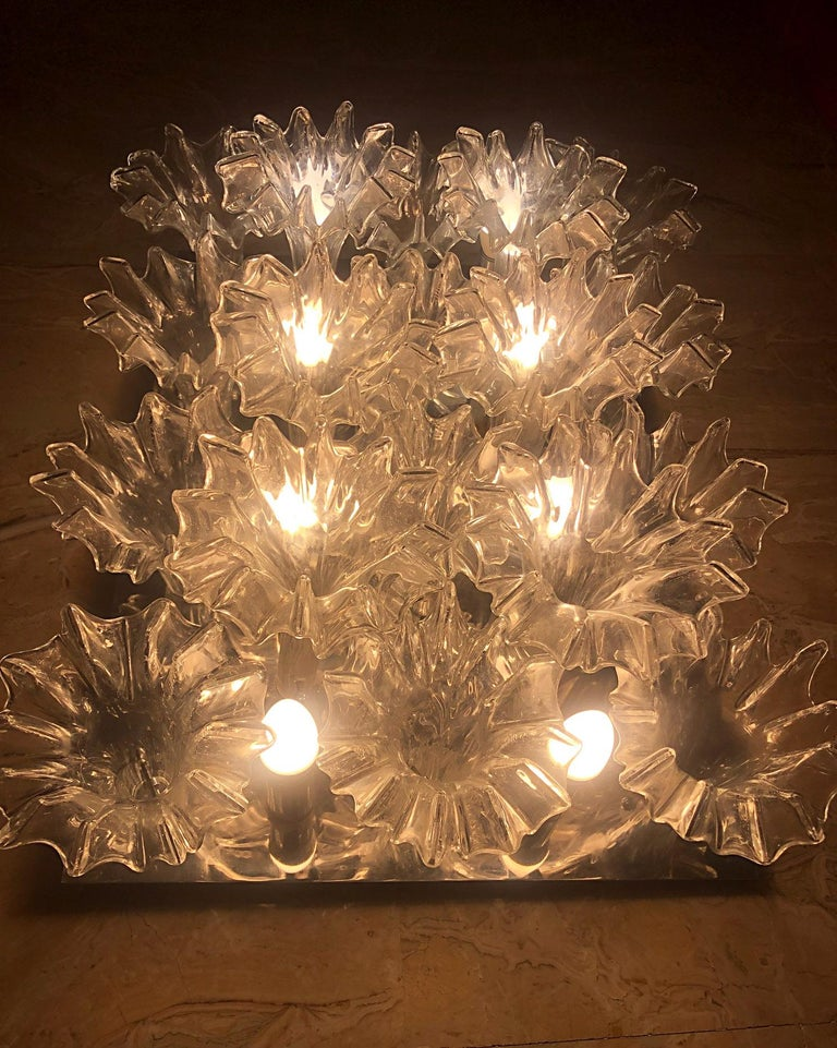 Murano chandelier Italy, very rare, 8-light with 18 glasses, hand assembled, from 1970s, of the famous luxury brand company Barovier & Toso Size cm.: 52 x 70 x 23 H