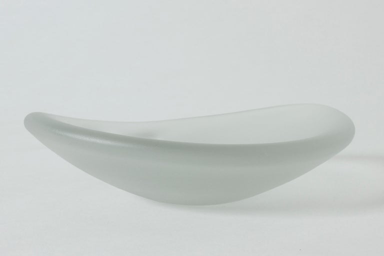 """Glass """"Devil's Cradle"""" Bowl by Timo Sarpaneva for Iittala In Excellent Condition For Sale In Stockholm, SE"""