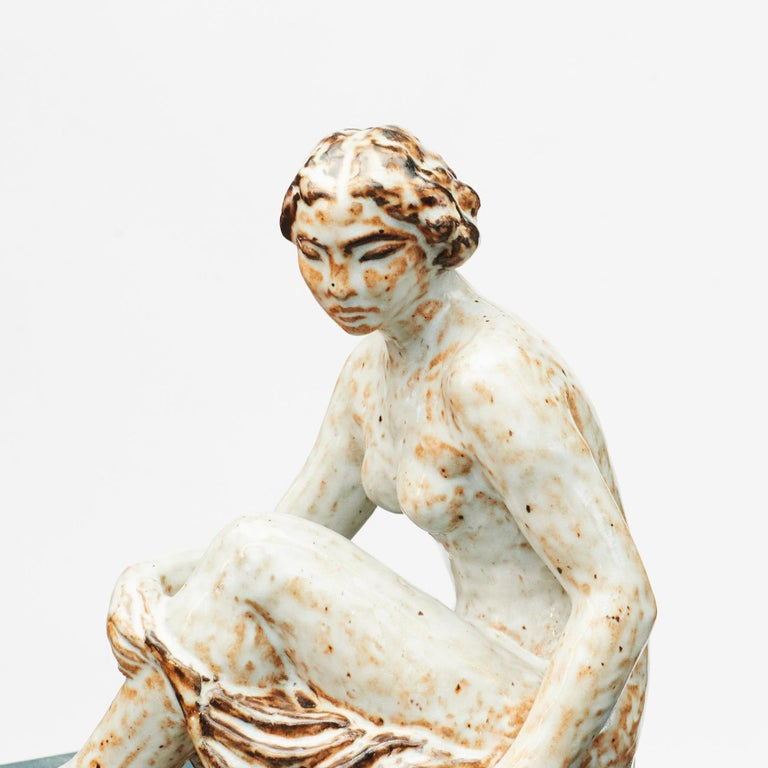 Glazed Stoneware Figurine of Sitting Woman by Gertrud Kudielka In Good Condition For Sale In Nordhavn, DK