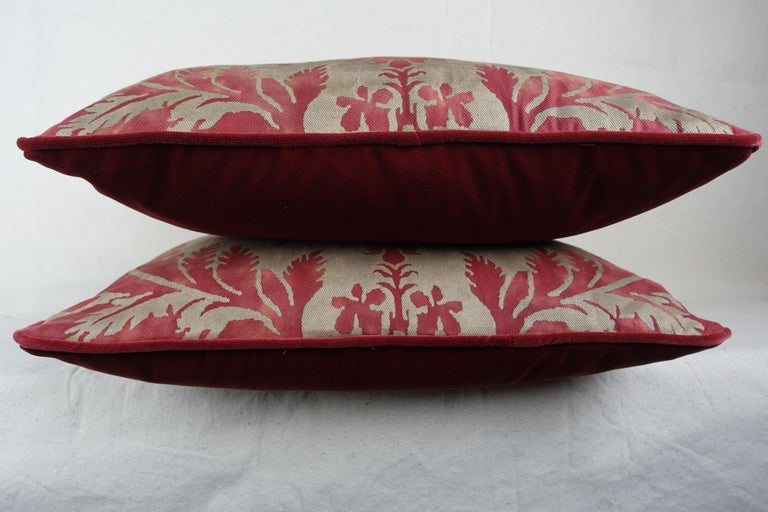 Baroque Glicine Patterned Red and Gold Fortuny Pillows, a Pair For Sale