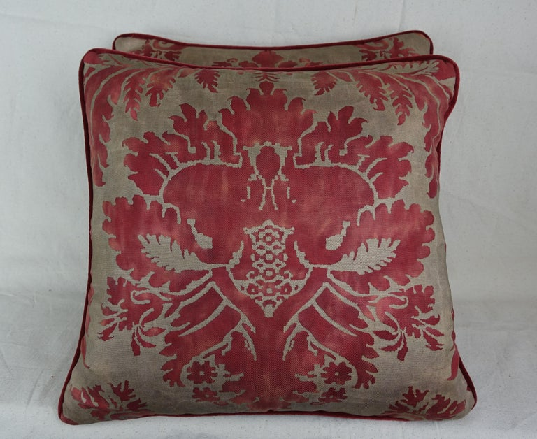 Glicine Patterned Red and Gold Fortuny Pillows, a Pair In Excellent Condition For Sale In Los Angeles, CA