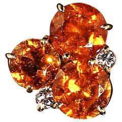 Glittering Pendant of Spessartite Garnet in 18 Karat Yellow Gold