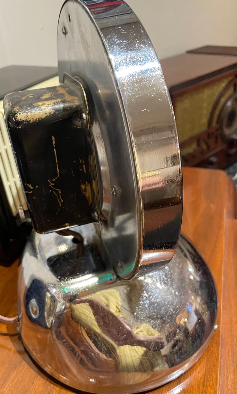 Glo Dial Neon Chrome Desk Clock with Original Green Neon For Sale 2