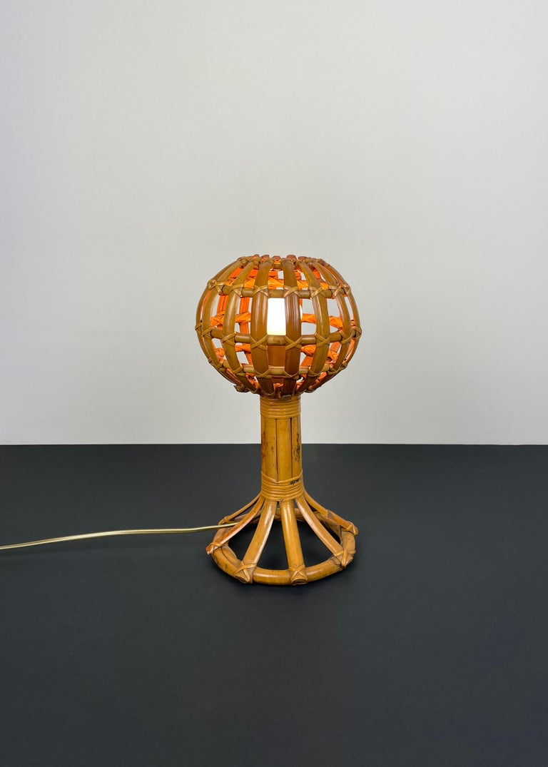 Globe Rattan Table Lamp Louis Sognot Style, France, 1960s In Good Condition For Sale In Rome, IT