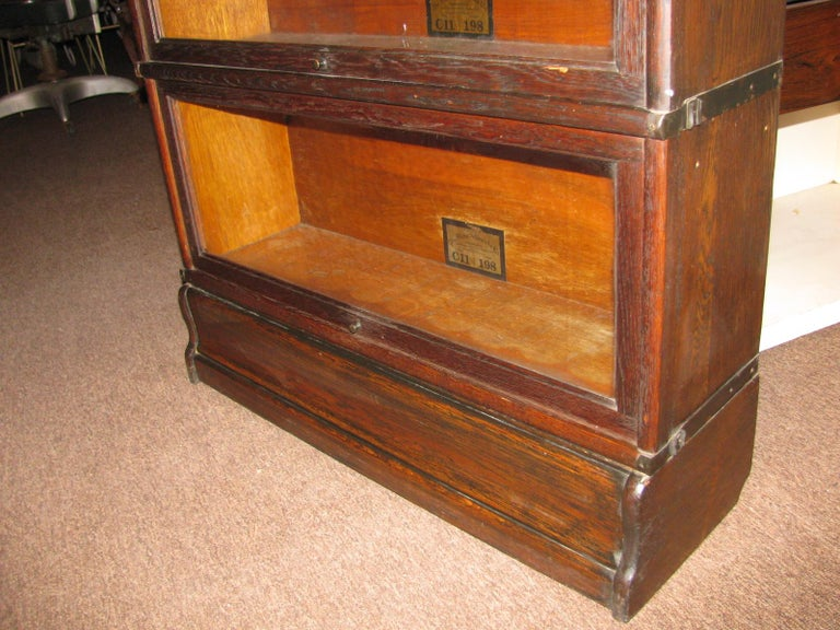 Early 20th Century Globe Wernicke Oak Stacking Barrister Bookcase 7 Sections For Sale