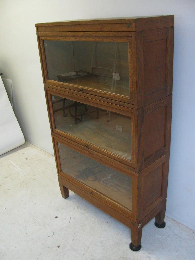 Brass Globe Wernicke Oak Stacking Barrister Five Section Bookcase, circa 1920 For Sale