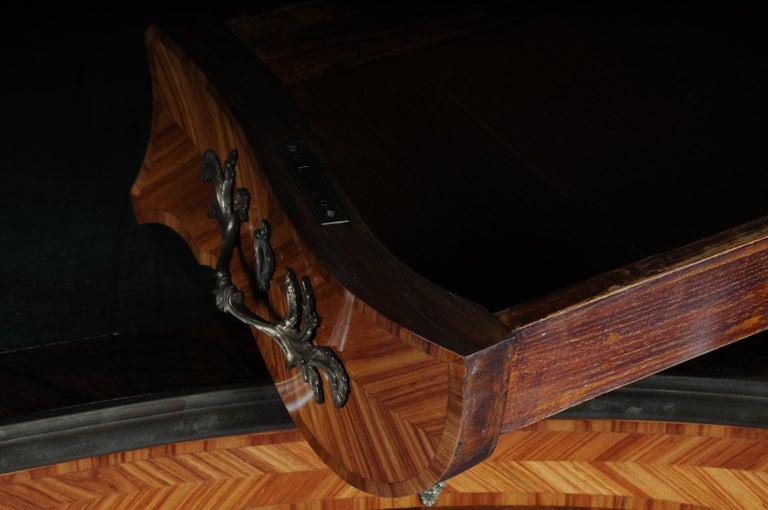 Glorious Bureau Plat or Desk in Louis XV For Sale 10