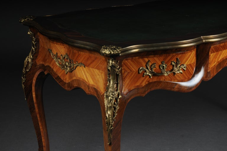 Glorious Bureau Plat or Desk in Louis XV In Good Condition For Sale In Berlin, DE