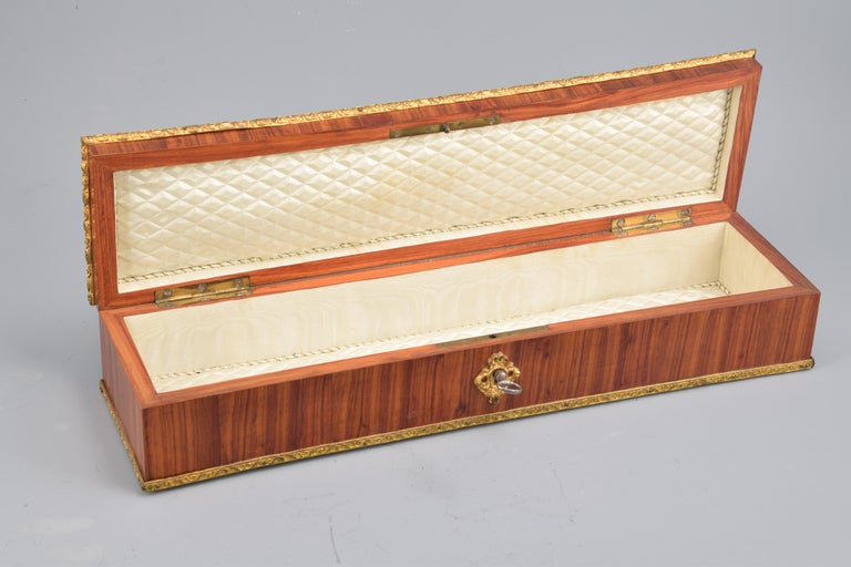 Gloves or Fans Box, Marquetry, Rosewood, Bronze, 19th Century In Fair Condition For Sale In Madrid, ES