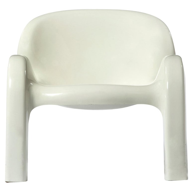 GN2 White Plastic Lounge Chair by Peter Ghyczy, 1970 For Sale
