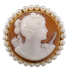 Goddess Diana 1930s Shell Cameo Brooch Pendant Gold Pearls