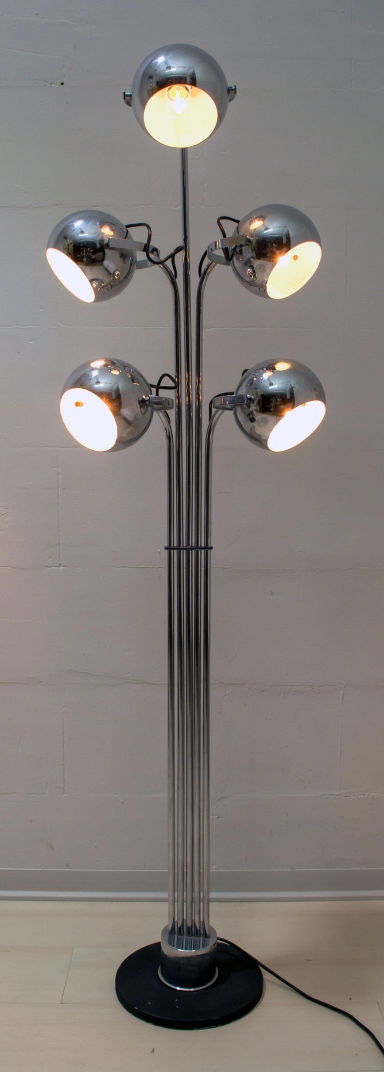 Late 20th Century Goffredo Reggiani Mid-Century Modern Italian 5 Lights Chrome Floor Lamp, 1970s For Sale