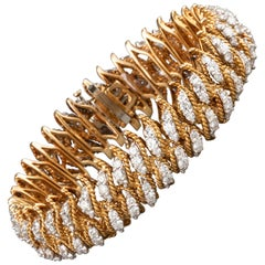 Gold and 15 Carat Diamonds French Bracelet