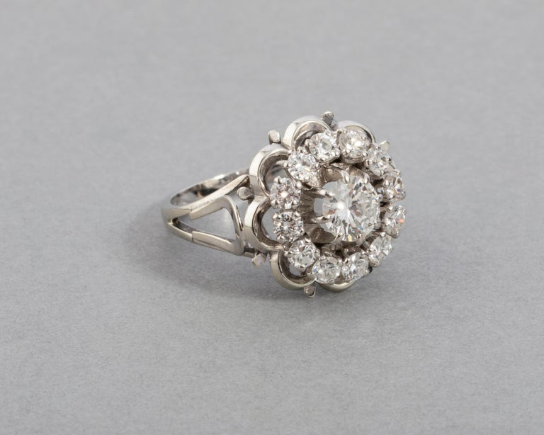 Gold and 1.60 Carat Diamonds French Vintage Ring For Sale 1