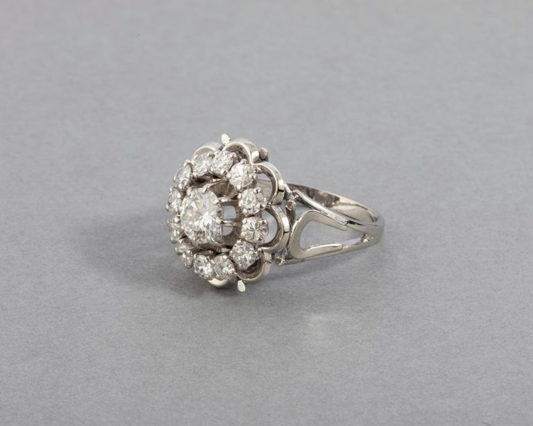 Gold and 1.60 Carat Diamonds French Vintage Ring For Sale 2