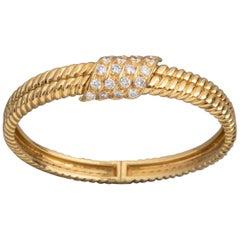 Gold and 2 Carat Diamonds French Bracelet