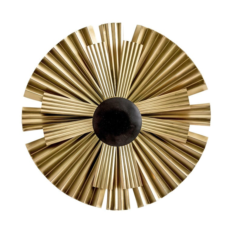 Gold and Black Lacquer Finish Metal Pair of Wall Lights  In New Condition For Sale In Halluin, FR