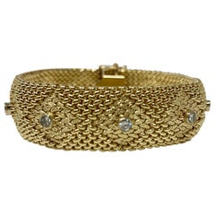 Gold and Diamond Bracelet in Yellow Gold