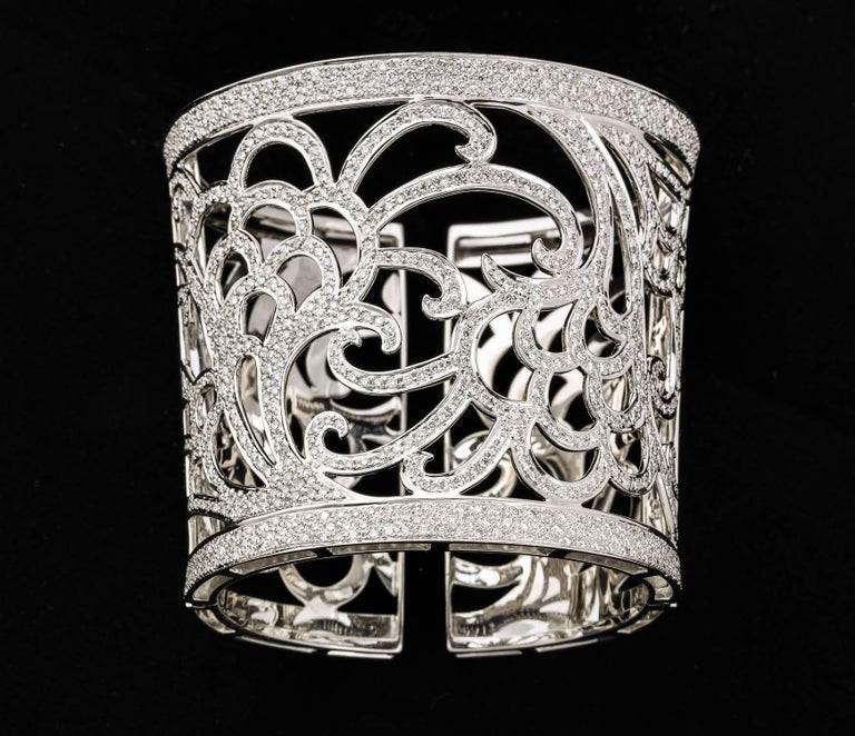 Gold and Diamond Cuff Bracelet For Sale 3
