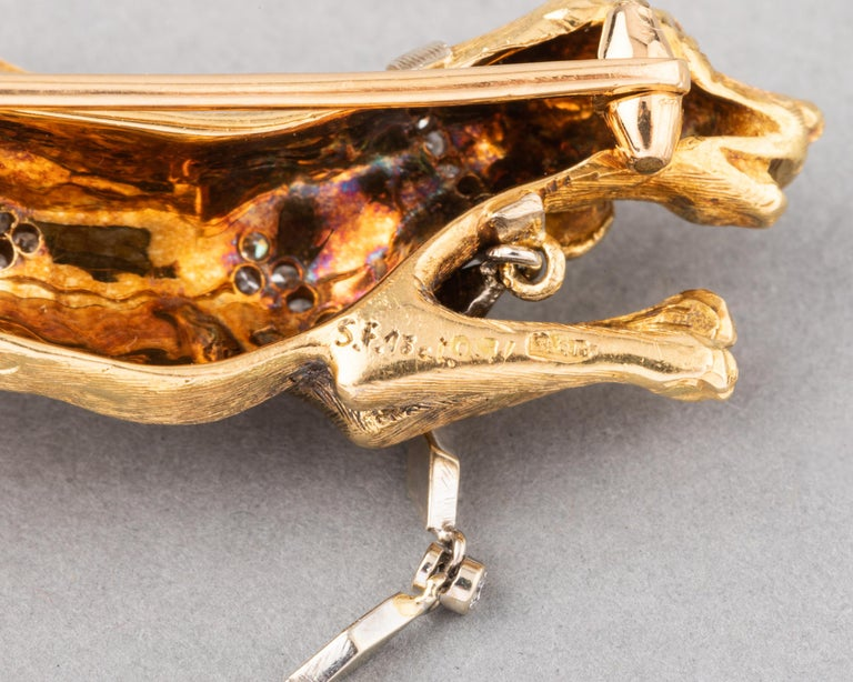 Gold and Diamonds European Vintage Dogs Brooch For Sale 5